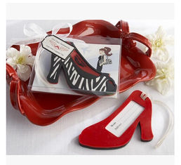 China New creative promotion gift product wedding gift hing heel shoes luggage tag label supplier