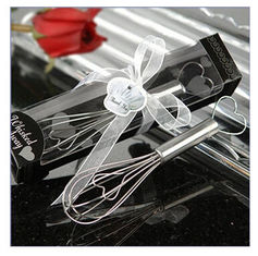 China New creative promotion gift product wedding gift eggbeater Whisk supplier