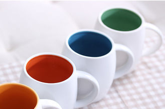 China New customed print logo promotional ceramic barrel shape coffee mugs cup corperate gifts supplier