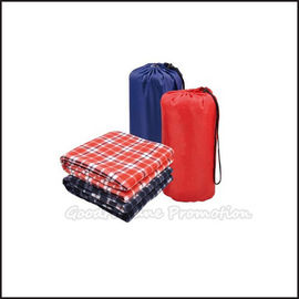 Customed logo promotion Eco plush warmer luggage travel outdoor camp blanket gift